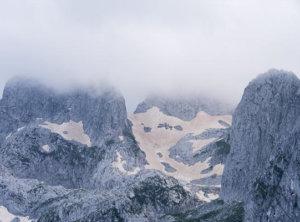 Sneeuw bergtoppen Montenegro
